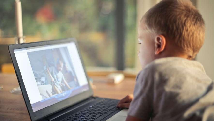Ako sa správajú slovenské deti a dospievajúci na internete?